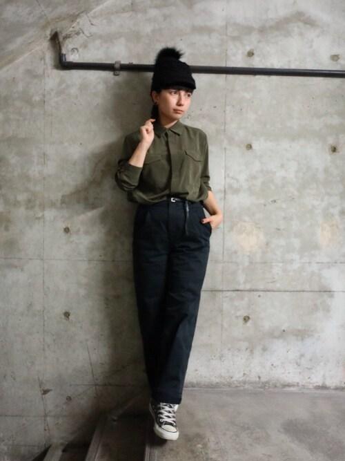 sayuri maedaさんの「ベルト付ワークシャツ(ADAM ET ROPE')」を使ったコーディネート
