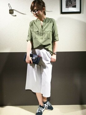 ikka 柏店|ikka KASHIWA STAFFさんの「Vネックゆるシャツ(ikka)」を使ったコーディネート