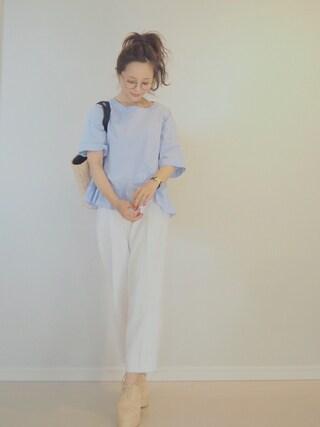 田中亜希子さんの「UR 裾フリルブラウス(URBAN RESEARCH|アーバンリサーチ)」を使ったコーディネート