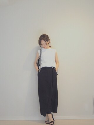 田中亜希子さんの「ショートネックノースリニット(Ungrid|アングリッド)」を使ったコーディネート
