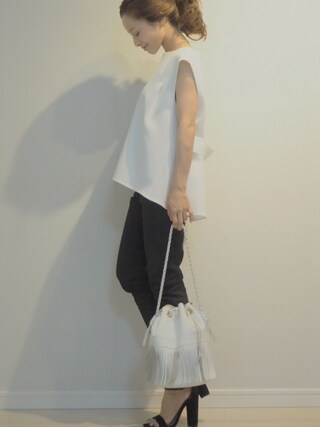 田中亜希子さんの「【STUDIOUS】 バックベルトブラウス(STUDIOUS ステュディオス)」を使ったコーディネート