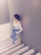 シンプルマリンコーデ☆  靴が差し色♩  このパンツは夏から履いてますが超可愛いデザインでお気に入り♡♡♡  外は寒いのでニットのロングカーディガンを着ていました^ ^