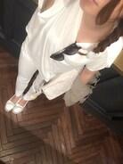 トレンドのオールホワイトに挿し色カーキのミリタリージャケット☆ フィッシュボーンも気に入って毎日してます。笑