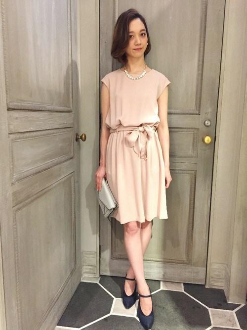 結婚式 二次会 服装 ドレス ピンク| おーちゃんさんのワンピース「Devinette ウエストリボンワンピ」を使ったコーディネート