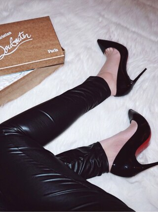 「Christian Louboutin Pigalle Follies 100 Patent-Leather Pumps(Christian Louboutin)」 using this Zoya looks