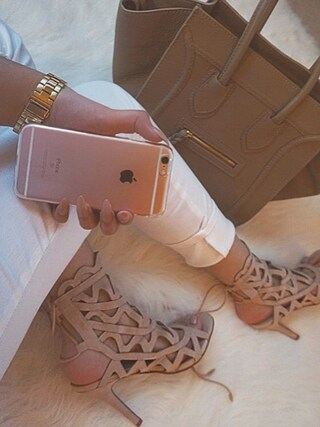 「Michael Kors 33mm Mini Parker Glitz Bracelet Watch(Michael Kors)」 using this Zoya looks