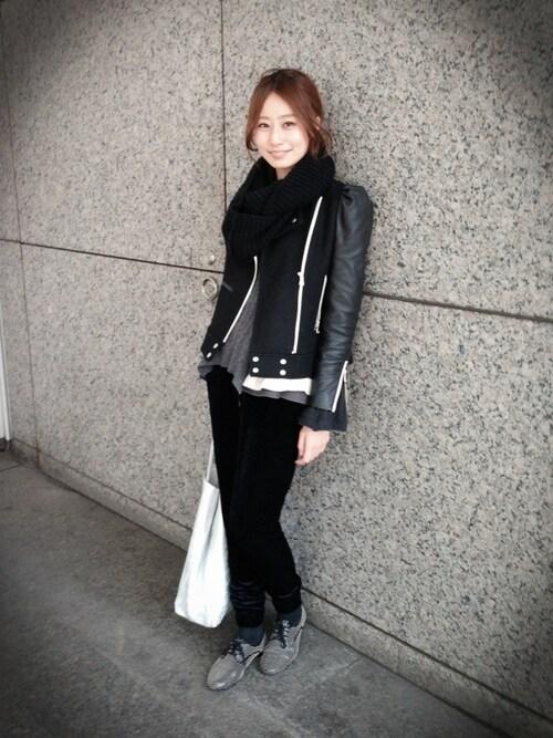 宇佐美 彩さんの「スタッズ紐靴(MIUMIU)」を使ったコーディネート