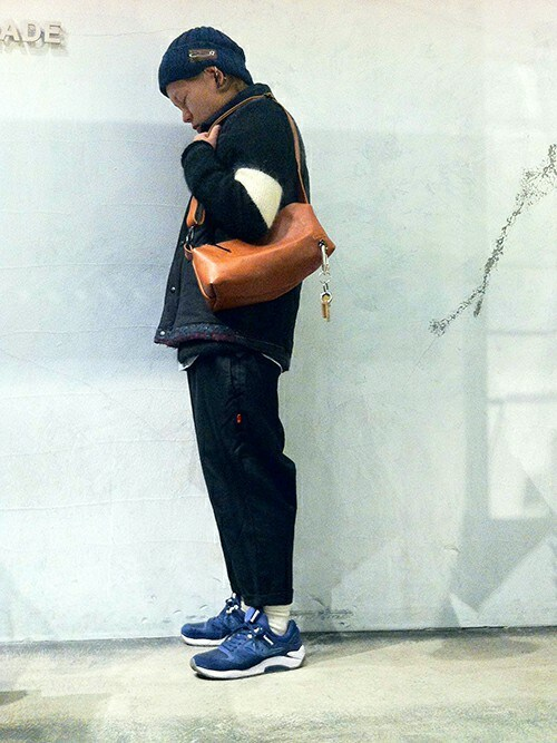 JAM HOME MADE 東京店Naoki Miyamotoさんのショルダーバッグ「アリゾナレザーワンショルダーバッグM(JAM HOME MADE|ジャムホームメイド)」を使ったコーディネート