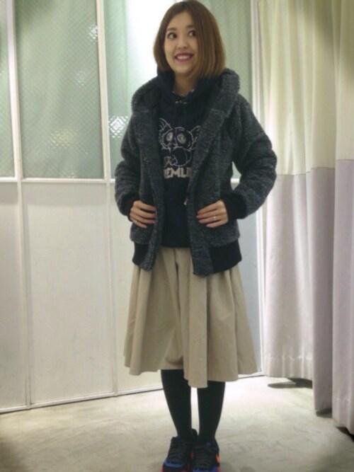 YUKINKOさんの「ウエストギャザーミドル丈スカート(DOUBLE NAME)」を使ったコーディネート