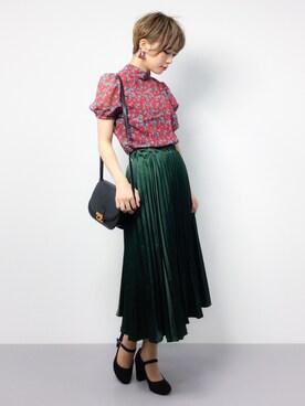 ZOZOTOWN|おりこさんの「WEGO/サテンプリーツスカート(WEGO)」を使ったコーディネート