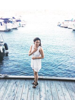 (H&M) using this Chantal Wong looks