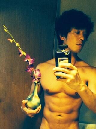 庄司智春さんの「お花」を使ったコーディネート