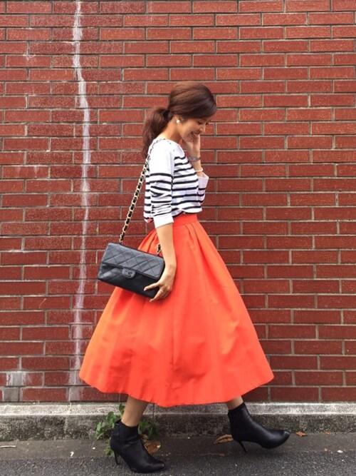 【メンズ・レディース別】オレンジに合う色のコーディネート