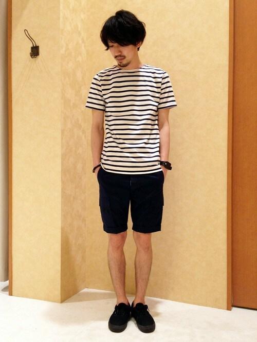 ルミノアバスクシャツ×ショートパンツモノトーンコーデ 画像1
