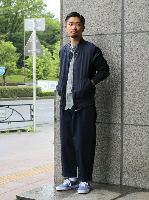 メンズプレスアシスタント小林さんの「[ジェニュインガーメント]C.IMAI MEMORY/TWILL MA-1 ブルゾン(green label relaxing)」を使ったコーディネート