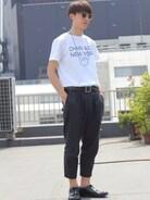 kolorのパンツを主役にCHARI&COのTシャツをタックインしてユニセックスなバランスで☆