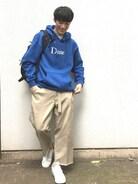 dimeのブルーのパーカーにディッキーズのベージュのチノパンでさわやかに����足元はnikeのテニスクラシック�� ・ 秋はファッションが楽しくなりますね��