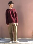 秋のコーデ、バーガンディのニットにAURALEEのワイドチノでほっこり感を����  秋冬はファッションもヘアスタイルも楽しみましょう!  ヘアでお悩みの方はお気軽にご相談下さい✨✨