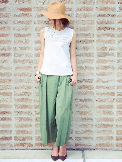 M closetさんのシャツ/ブラウス「AMERICAN RAG CIEフラワー刺繍×アイレット刺繍ノースリーブブラウス/207-AMR-dms-L152-BU003(AMERICAN RAG CIE|アメリカンラグ シー)」を使ったコーディネート