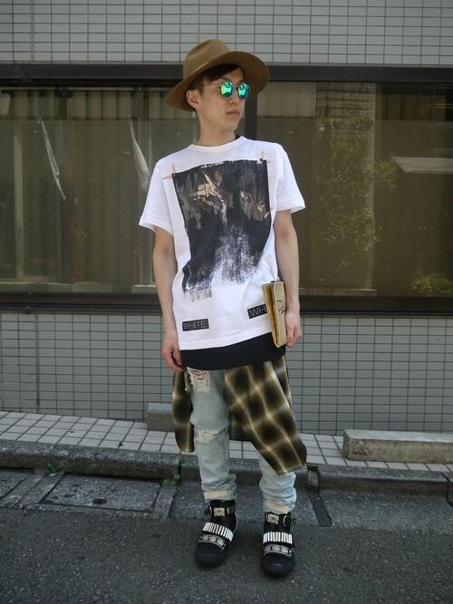 MIDWEST江口貴康さんの「OFF WHITE 『CARAVAGGIO』Tシャツ(off white)」を使ったコーディネート