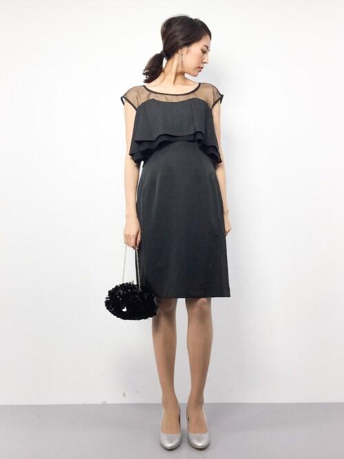 半袖の胸元シースルー切替のドレス参考コーディネート画像