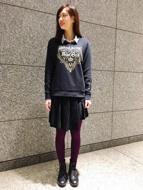 Hard Rock Cafe JAPANさんの「Couture Crew Fleece Black(Hard Rock Cafe)」を使ったコーディネート