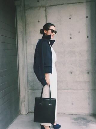 伊地知朋子さんの「Illesteva Keating D-Frame Tortoiseshell Acetate and Stainless Steel Sunglasses(Illesteva|-)」を使ったコーディネート