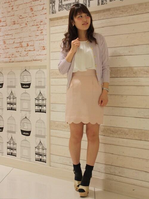 marikaさんの「(日本製)裾スカラップタイトスカート(ASTORIA ODIER)」を使ったコーディネート