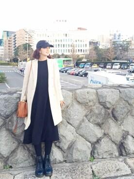 安田美沙子さんの「ネイビーブーツ(Dr.Martens|ドクターマーチン)」を使ったコーディネート