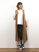 内山陽菜さんの「7G透かし編みロングジレ(AZUL by moussy|アズールバイマウジー)」を使ったコーディネート