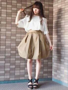 村瀬紗英さんの「STUDIOUS リバーシブルタックギャザースカート(STUDIOUS|ステュディオス)」を使ったコーディネート