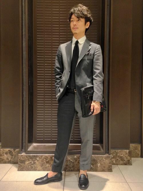 【男女別】スーツのかっこいい着こなし方法・おすすめのスーツ