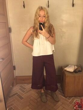(TOMS) using this Shauna Jacobs looks