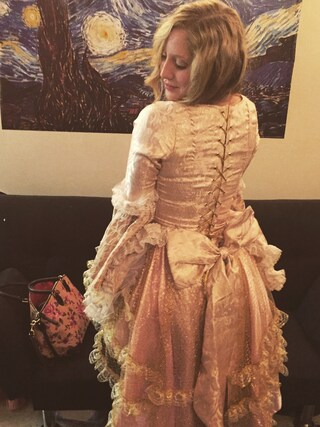(CoSTUME NATIONAL) using this Shauna Jacobs looks