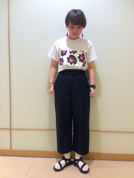 ナカヨシ サキさんの(TOGA PULLA|トーガ プルラ)を使ったコーディネート