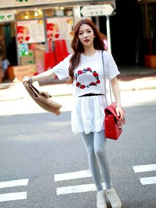 chuu|chuuさんの「ローズ柄半袖ロング丈プリントTシャツ(chuu|チュー)」を使ったコーディネート