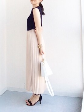 koumeさんの「WOMEN UVカットワイドリブノースリーブセーター(ユニクロ)」を使ったコーディネート