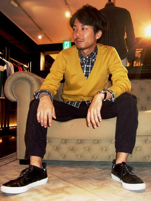 チェックシャツ着こなしメンズのカーディガン「FRED PERRY Smooth Knit Cardigan」を使ったコーディネート