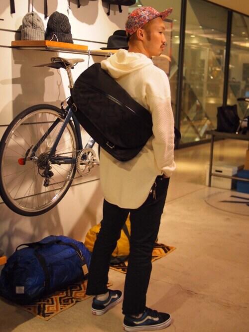 tado_billさんの「【Reveletions/別注】 narifuri Messenger bag M(narifuri)」を使ったコーディネート