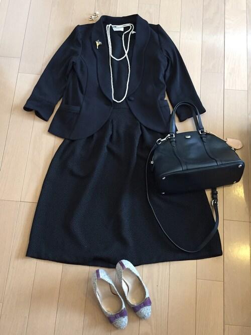 卒園式後お別れ会 親 黒のスカートスーツ 写真