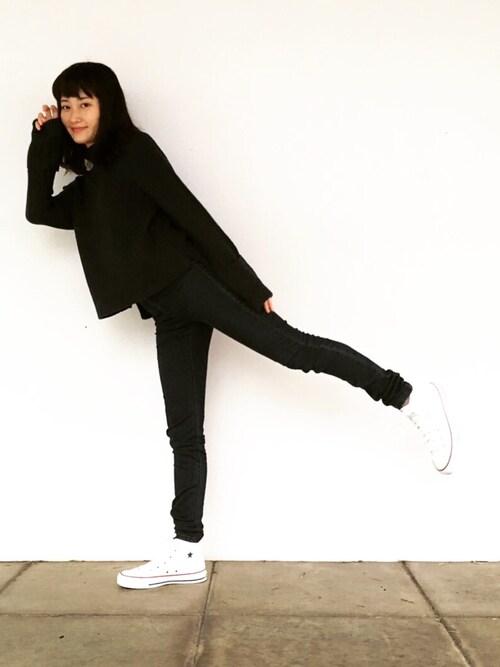 酒井 景都さんの「<スザンヌさんコラボ>ラブ&ピースプロジェクト ガーター編みハイネックニットトップス(haco!)」を使ったコーディネート
