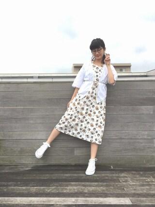 CurtainCall OnlineShop|酒井 景都さんの「<スザンヌさんコラボ>ラブ&ピースプロジェクト フレアースリーブ花柄ワンピース(haco!|ハコ)」を使ったコーディネート