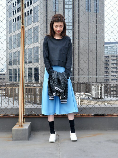 AYUMIさんの「ふくれジャガード テイルフィンミディスカート(avie)」を使ったコーディネート