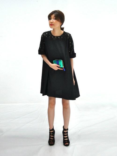 AYUMIさんの「レーススウィッチ トラペーズドレス(avie)」を使ったコーディネート