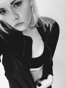 (Calvin Klein Underwear) using this Ash looks