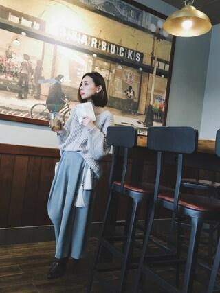 黒石奈央子さんの「CLOUD SMARTPHONE CASE(Ameri アメリヴィンテージ)」を使ったコーディネート