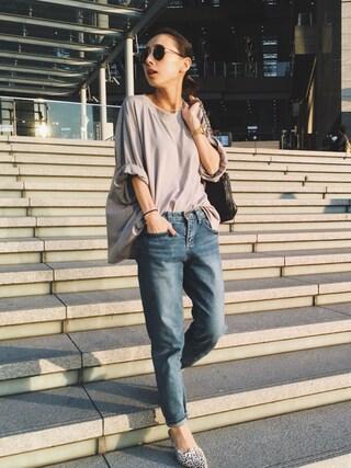 黒石奈央子さんの「RELAX TSHIRT(Ameri アメリヴィンテージ)」を使ったコーディネート