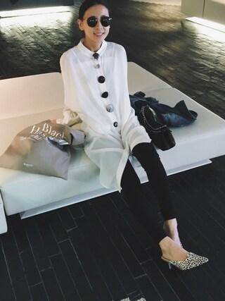 黒石奈央子さんの「VARIOUS BUTTON SHIRT DRESS(Ameri アメリヴィンテージ)」を使ったコーディネート