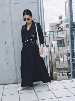 黒石奈央子さんの「MARGUERITE SHIRT DRESS(Ameri アメリヴィンテージ)」を使ったコーディネート