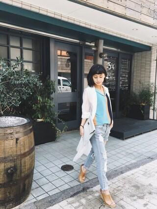 黒石奈央子さんの「SHOWY COLOR DESIGN TOP(Ameri アメリヴィンテージ)」を使ったコーディネート